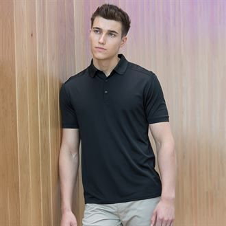 Stretch polo shirt with wick finish